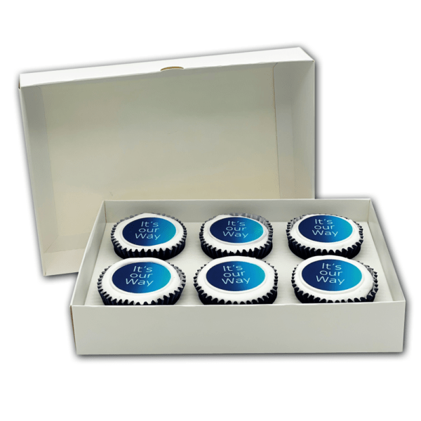 6 Postal cupcakes with a printed logo disc in a box